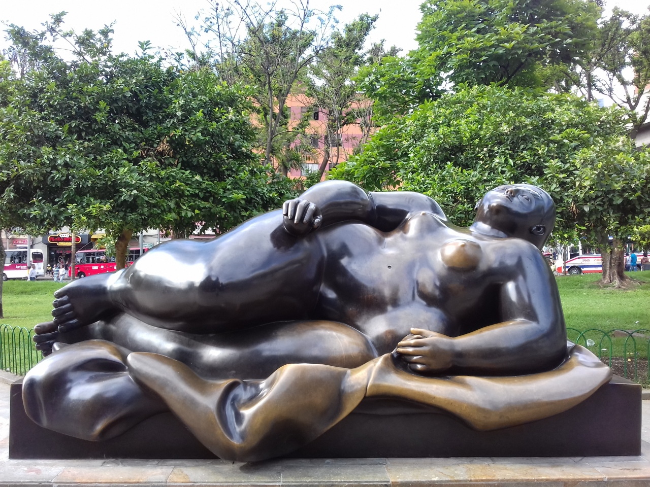 Video: Artist Fernando Botero